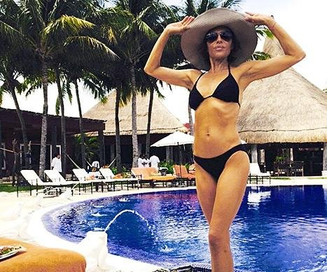 Lisa Rinna shows off slim bikini body at 51