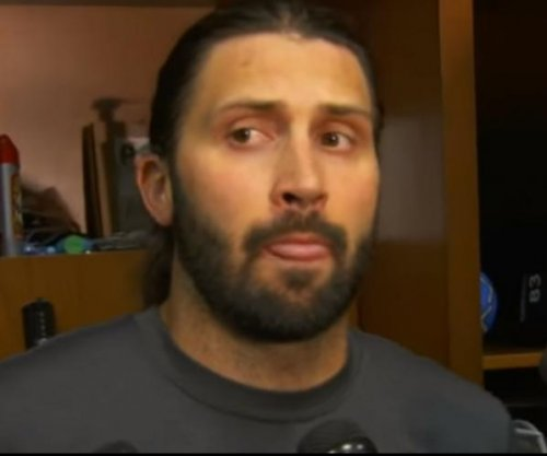 Indianapolis Colts place QB Charlie Whitehurst on IR