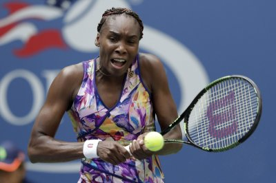 Venus Williams reaches Australian Open semis