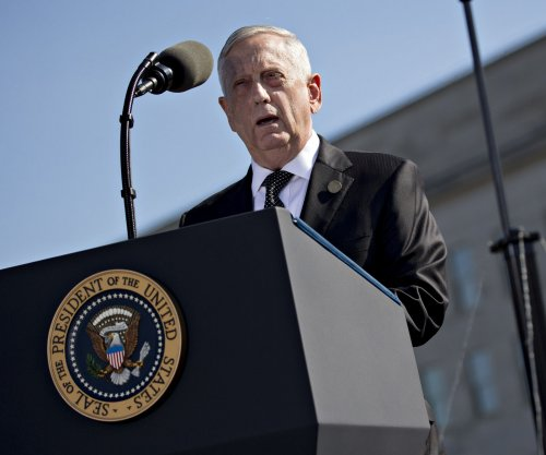 Defense chief calls for close cooperation between U.S. industry, Pentagon