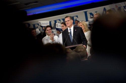 Anti-Romney Tea Party activists mobilize