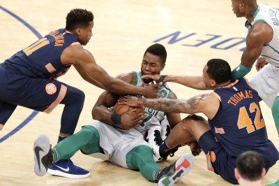 Celtics, looking up at No. 1 seed, visit Bulls