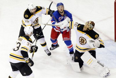 NHL: Boston 3, New York Rangers 2