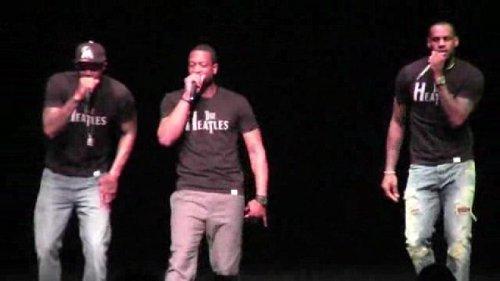 LeBron James and Dwyane Wade sing 'Blurred Lines' at Miami Heat karaoke night