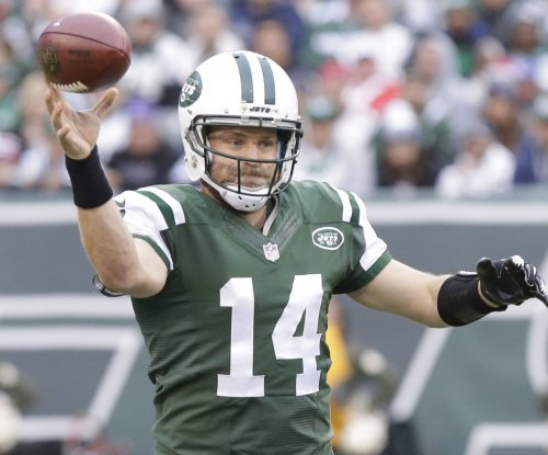 New York Jets consider other QBs with Ryan Fitzpatrick talks stalled
