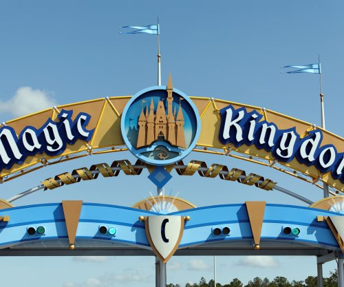 Disney World, Universal theme parks to close for Hurricane Irma