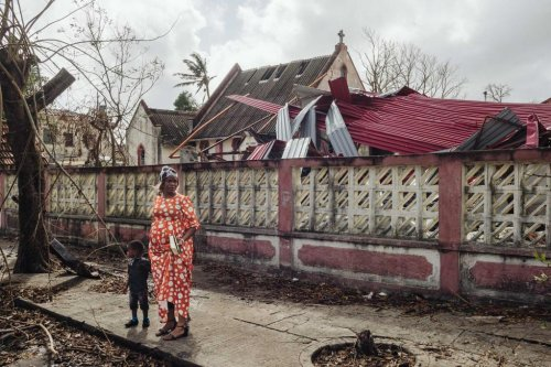 Cyclone Idai: Death toll rises to 750 as worries of cholera outbreak spread