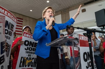 Warren unveils plan to give Americans more say in trade deals
