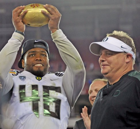 Oregon's Kelly named Eagles head coach