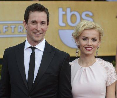 Noah Wyle marries actress Sara Wells