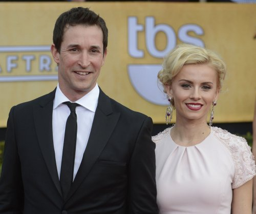 Noah Wyle marries actress Sara Wells