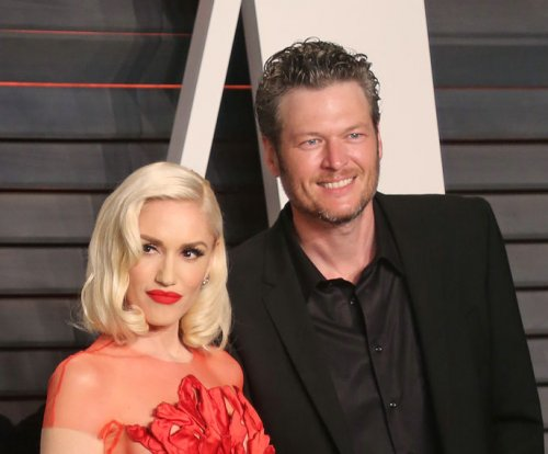Blake Shelton, Gwen Stefani perform duet at Billboard Music Awards