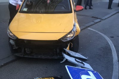 Authorities: Driver in Moscow taxi crash fell asleep at the wheel