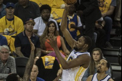 Golden State Warriors edge Houston Rockets in foul-filled Game 1