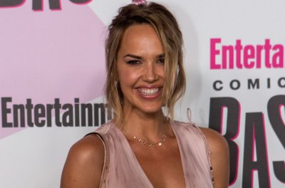 Arielle Kebbel plays cop with baggage in NBC's 'Bone Collector'