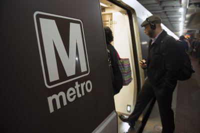 D.C. metro removes 60% of trains amid NTSB investigation of derailment