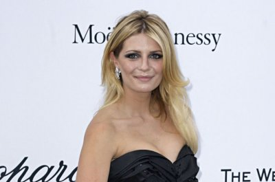 Report: Mischa Barton hospitalized for psychiatric evaluation