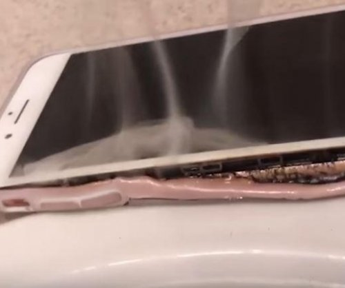 Apple looking into report of smoking, burning iPhone 7