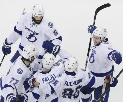 Lightning take Stanley Cup playoff series lead on Bruins