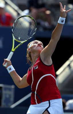 Kuznetsova pushed but not out at Australia