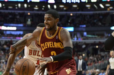 Kyrie Irving, Kyle Korver lead Cleveland Cavaliers past Sacramento Kings