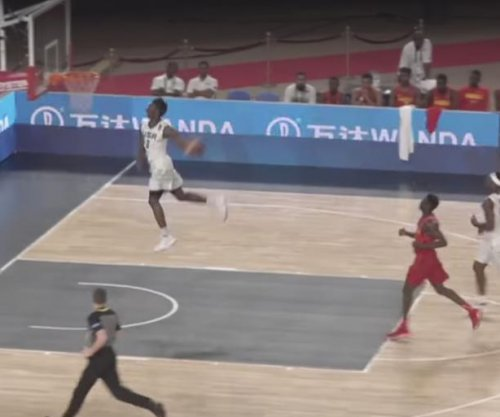 Kentucky's Hamidou Diallo throws down windmill in Egypt