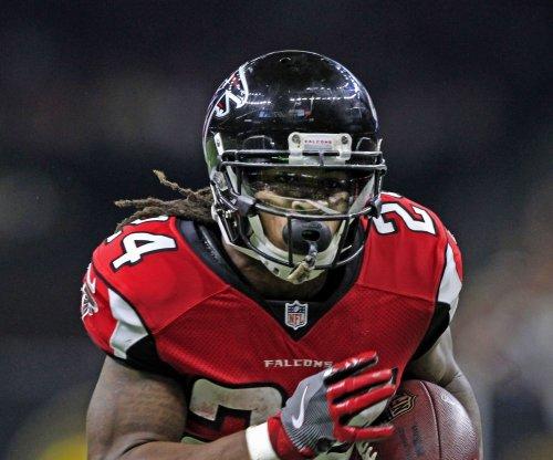 Atlanta Falcons RB Devonta Freeman clears concussion protocol, ready to play