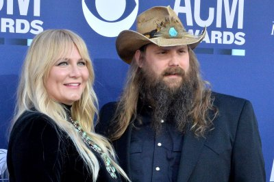 Chris Stapleton's wife gives birth to baby No. 5