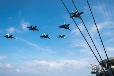 U.S. Navy, Malaysia's air force hold South China Sea bilateral exercises