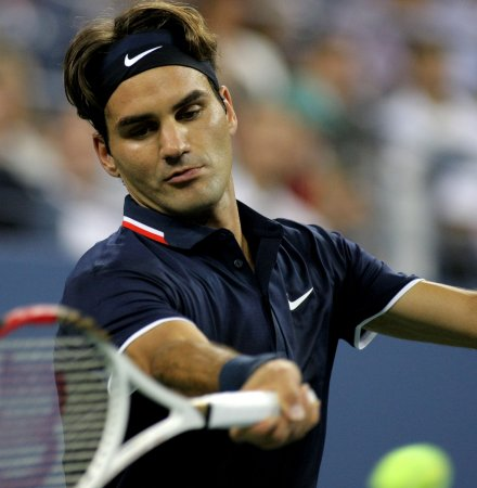 Federer, Murray move to Australian semis