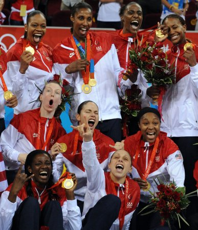 Americans coast to gold in basketball