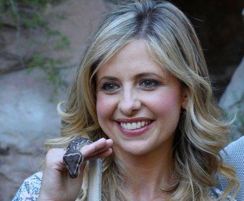 'Buffy the Vampire Slayer' stars gather for 20th anniversary photo shoot
