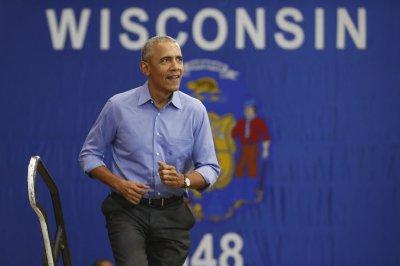 Obama urges Wisconsin Democrats not to be 'bamboozled'