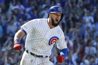 Cubs' David Bote hits walk-off single; flies to Colorado for baby's birth
