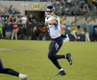 Tennessee Titans bench QB Marcus Mariota in loss to Denver Broncos