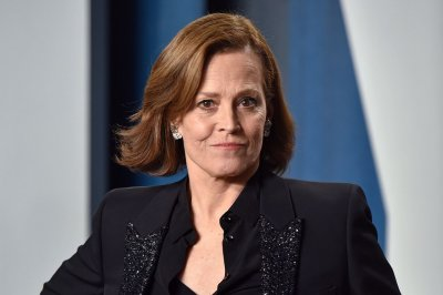 Sigourney Weaver films 'Avatar 2' in new photos