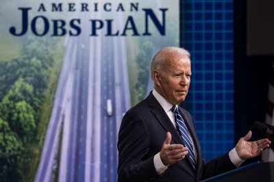Biden promotes efforts to aid 'human infrastructure' in Illinois
