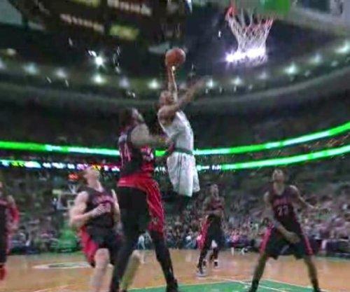 Crowder's jumper helps Boston Celtics clinch East's 7th seed