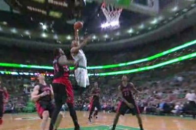 Crowder's jumper helps Boston Celtics clinch East's 7th seed