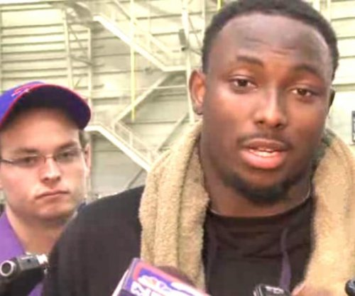 LeSean McCoy flips about Chip