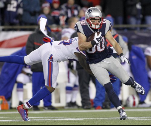 Patriots WR Danny Amendola (knee) expected to miss Broncos game