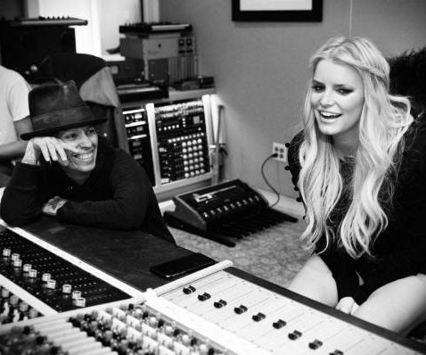 Jessica Simpson teases new music, will perform on 'Today'