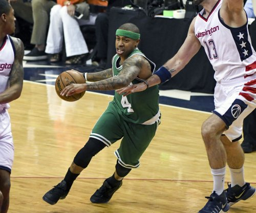Boston Celtics' Isaiah Thomas: Surgery 'not the number one option' for injured right hip