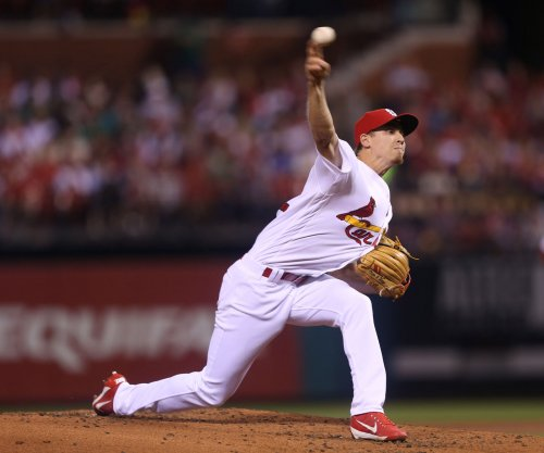 Luke Weaver extends streak; St. Louis Cardinals use long ball to beat Cincinnati Reds