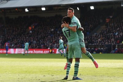 Arsenal's Granit Xhaka makes free kick from difficult angle