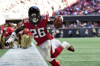 Atlanta Falcons RB Tevin Coleman breaks through
