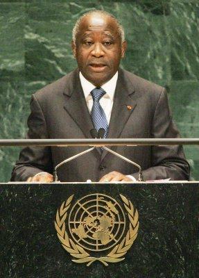 Ivorian leader Gbagbo bans U.N. flights