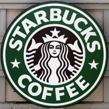 Starbucks says 'nyet' to Russian smokers