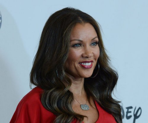 Vanessa Williams has 4th of July wedding
