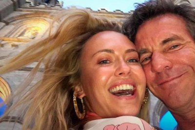 Dennis Quaid dating 30-year-old model Santa Auzina